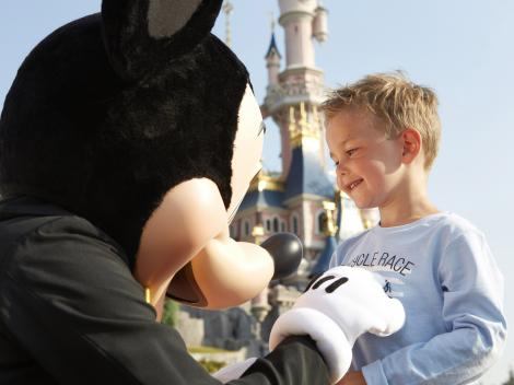 Meet Mickey Mouse with your Disneyland Paris ticket