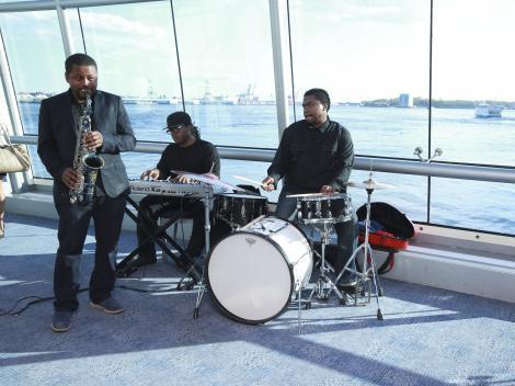 Hornblower Premiere Brunch Cruise