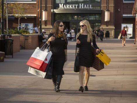 Woodbury Common Premium Outlets Shopping Tour