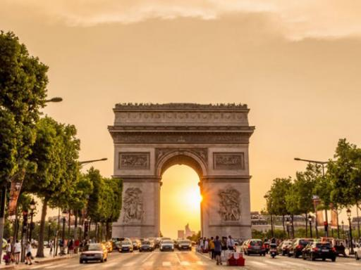 Arc de Triomphe Ticket and Paris City Tour