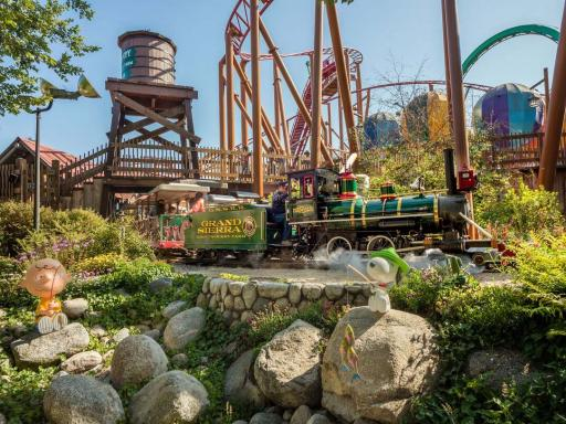Knott's Berry Farm from Anaheim