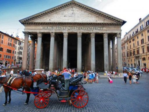 Roman Dolce Vita - Small Group Walking Tour