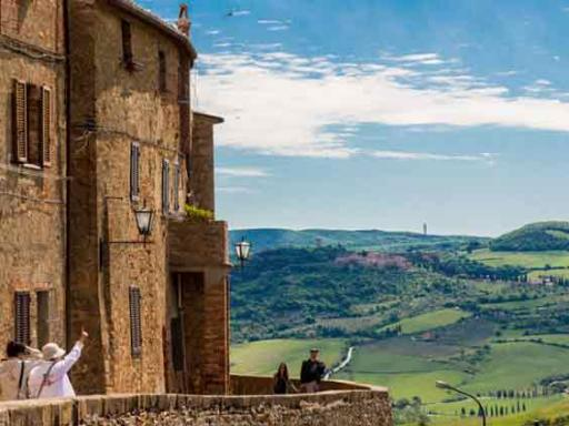 Tuscany Day Trip from Rome: Tuscan Hilltowns, Fortresses & Vineyards