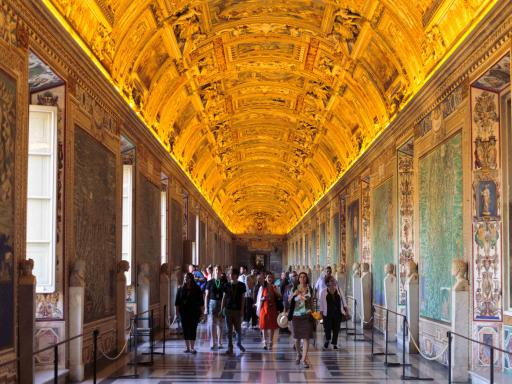 Vatican Museums Night Tour with Sistine Chapel