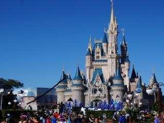 What to Bring and Wear on Your Orlando Holiday