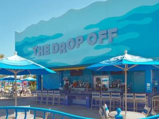 The Drop Off Pool Bar