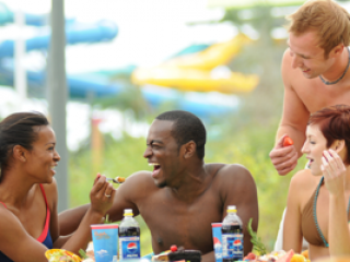 Aquatica All-Day Dining Deal – Banana Beach