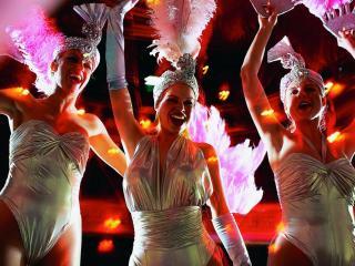 Lido de Paris Dinner and Show Tickets