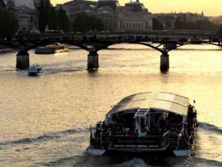 Dinner Cruise La Marina + Skip-the-Line Eiffel Tower Ticket