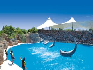 Loro Parque with Transport