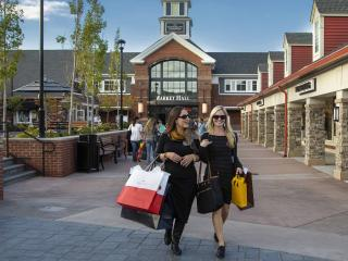 Woodbury Common Premium Outlets with Scheduled Departure